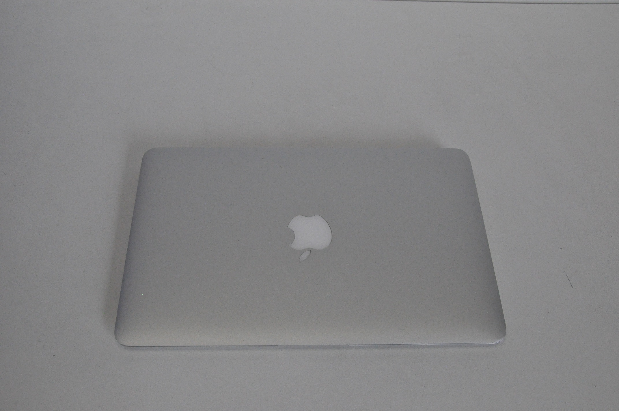 Apple MacBook Air 11inch Intel Core i5, 4GB, 128GB SSD MC968BA (2011)