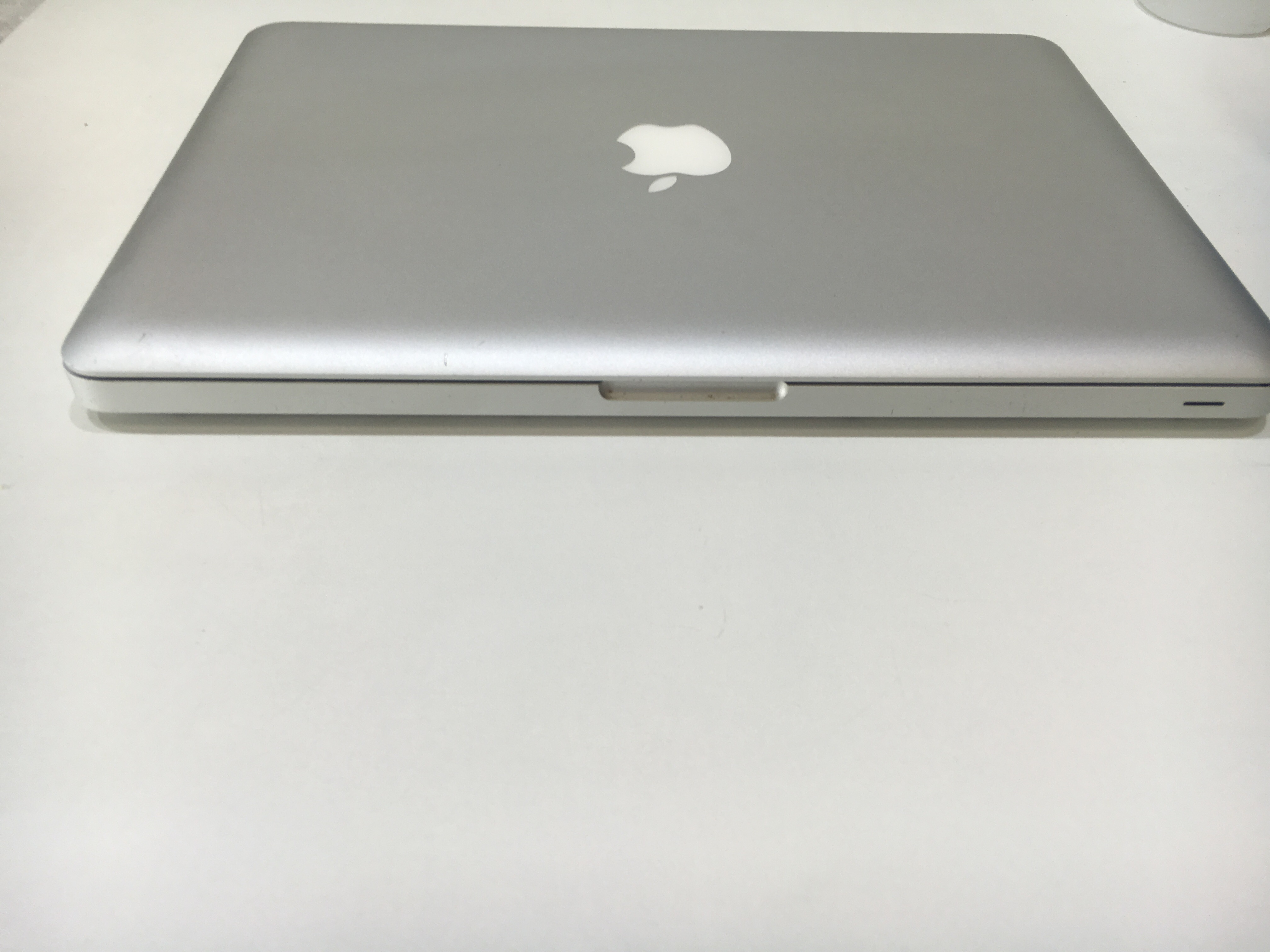 Apple MacBook Pro 13inch Intel Core i7 2.7GHz 8GB RAM 500GB HDD MC724BA A1278