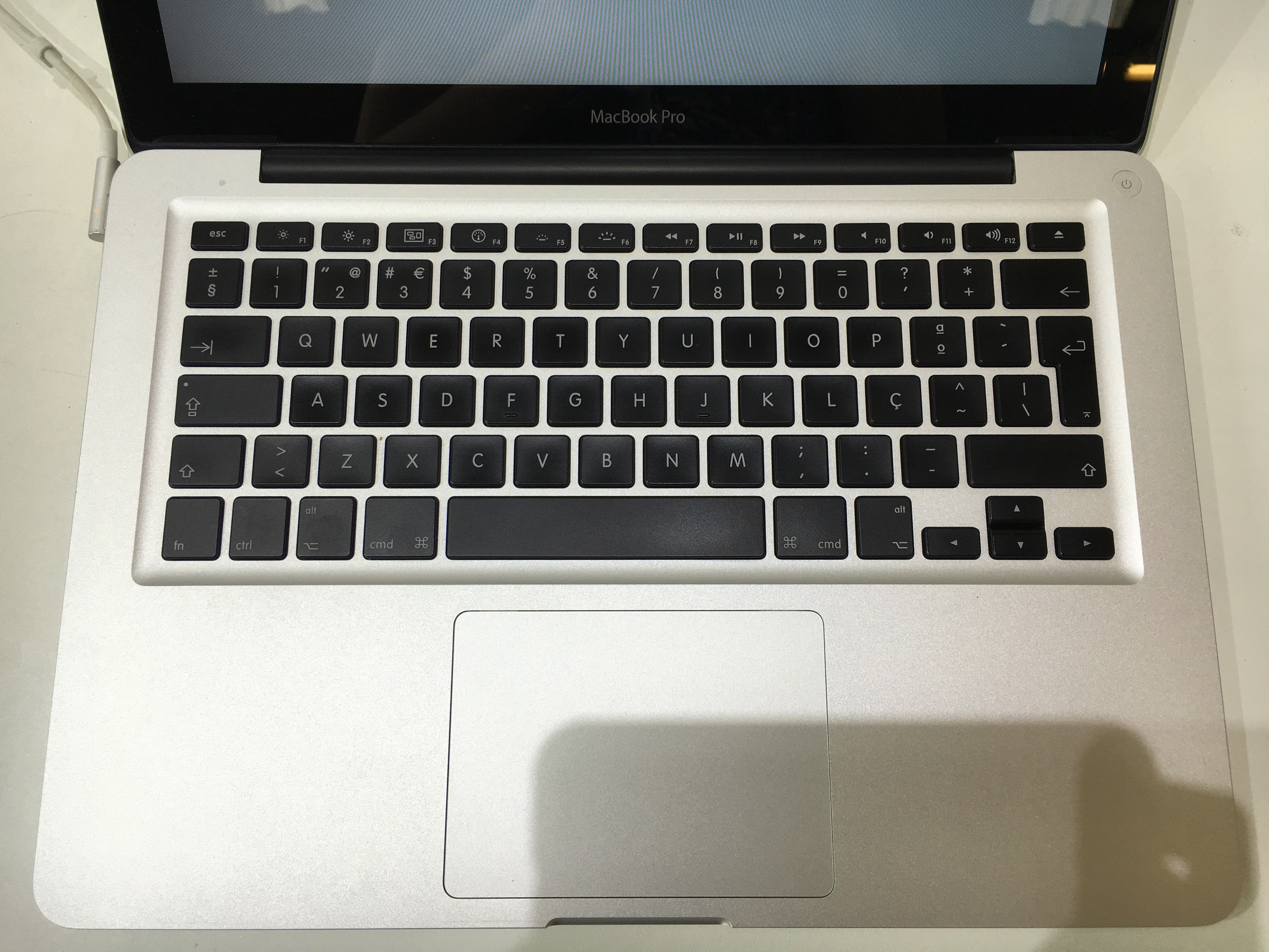 Apple MacBook Pro 13in Core2Duo 2.53GHz 4GB RAM 250GB HDD MB991BA A1278 Mid 2009