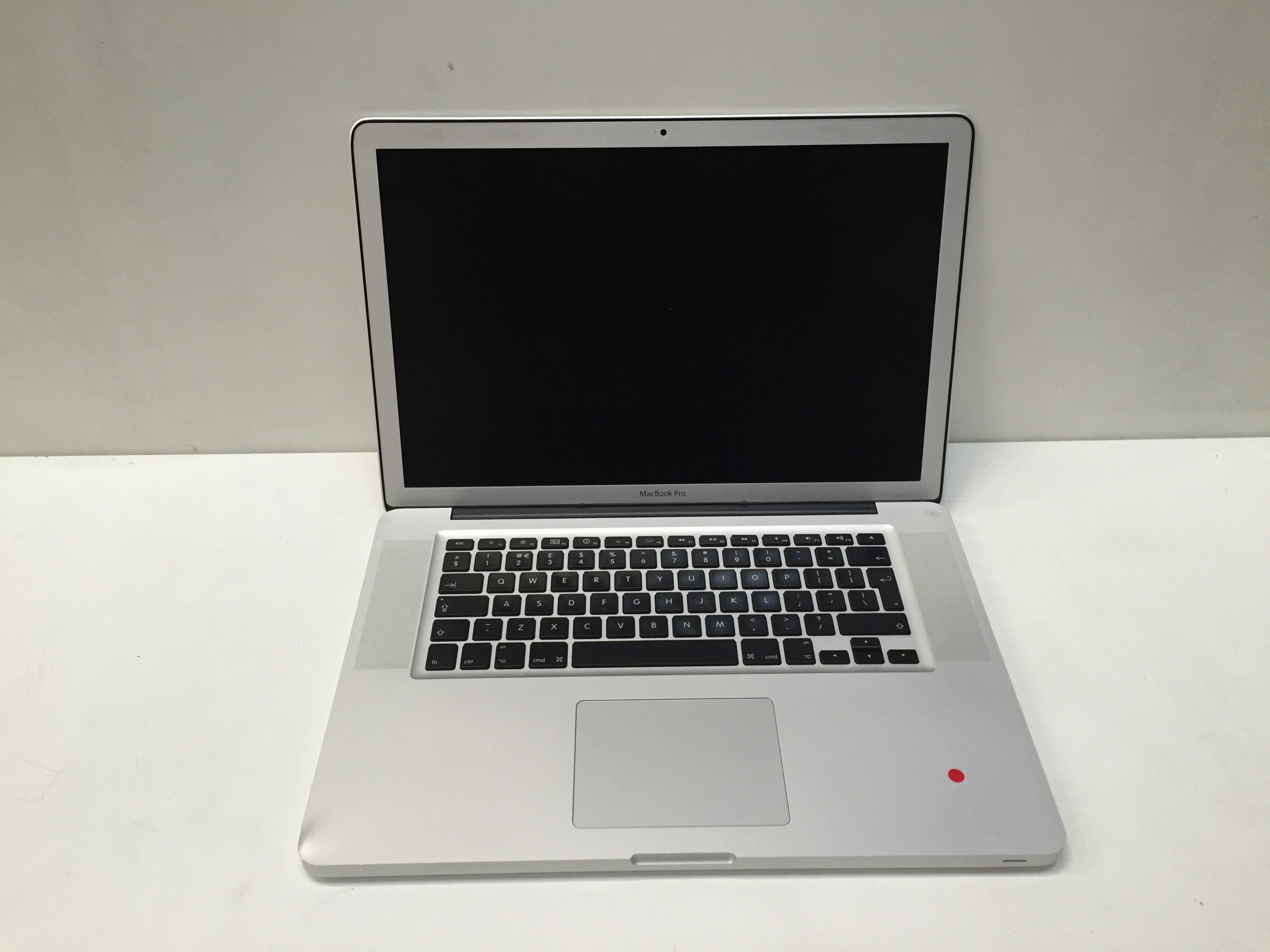 Apple MacBook Pro 15inch Core 2 Duo, 4GB RAM, 500GB HDD A1286