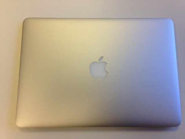 Apple MacBook Air 13.3inch Core i7, 2.00GHz 8GB 500GB Solid State Drive, A1466